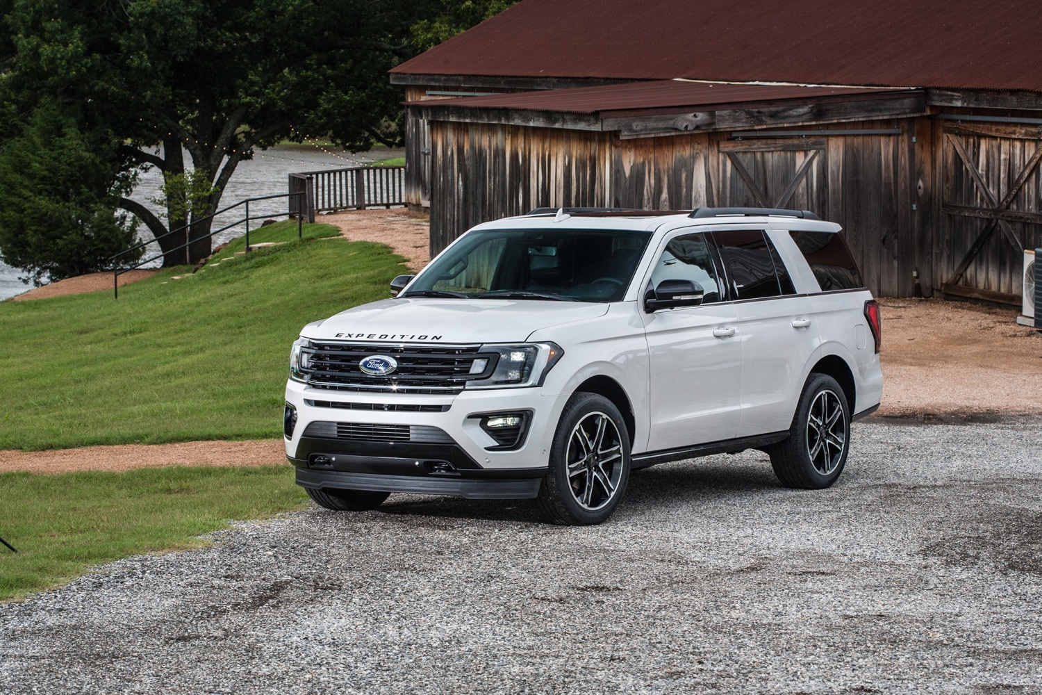 Ford Expedition Discount Takes $4,250 Off Full-Size Suv In
