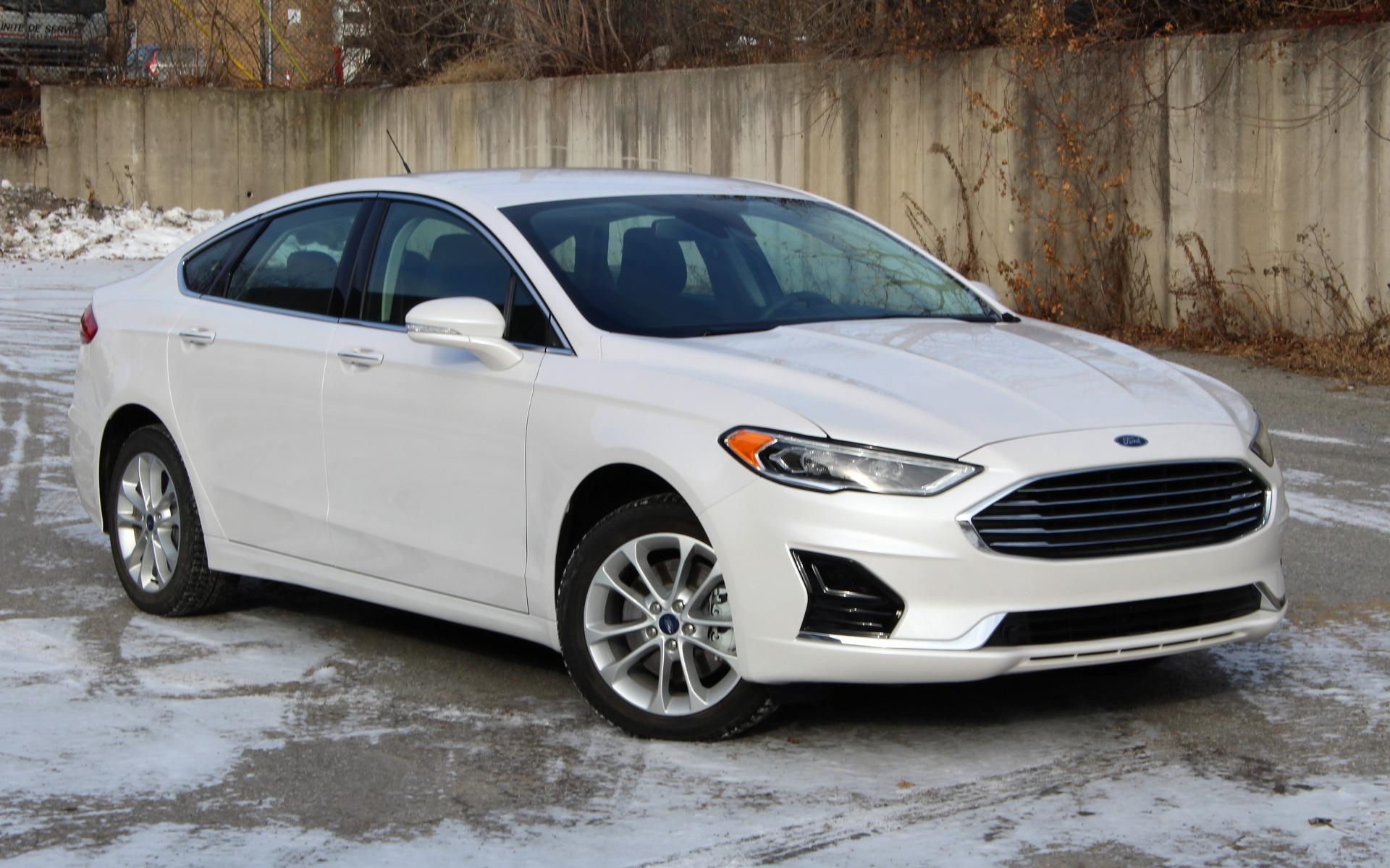 Ford Fusion Energi 2019 : Débranchement Imminent - Guide Auto